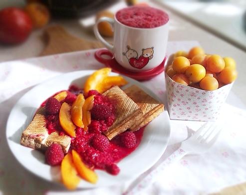 Lekkie śniadanie: owsianka z mirabelkami