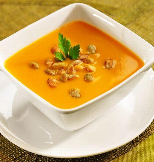 Zupa krem z prażonymi pestkami dyni