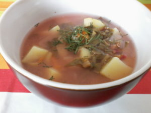 Zupa botwinkowa z ziemniakami